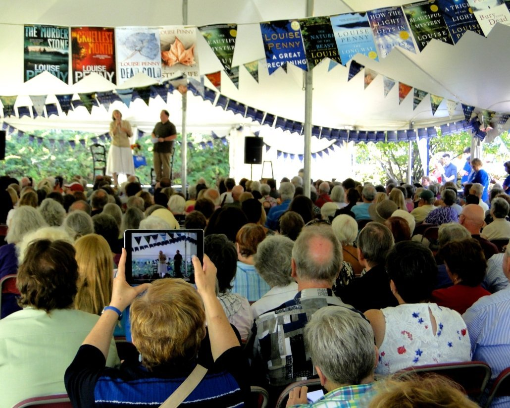Launch of new Louise Penny novel, tent at Knowlton Arts Alive! Québec. Photo – GRR
